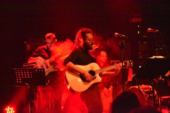 Στον «Σταυρό του Νότου» εμφανίστηκε ο Πατρινός μουσικός, Βασίλης Ράλλης (pics)