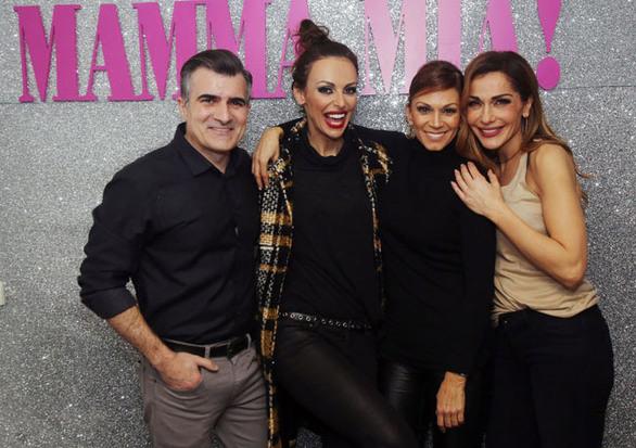 Ποιους υποδέχθηκε στο «Mamma Mia» η Δέσποινα Βανδή; (pics)