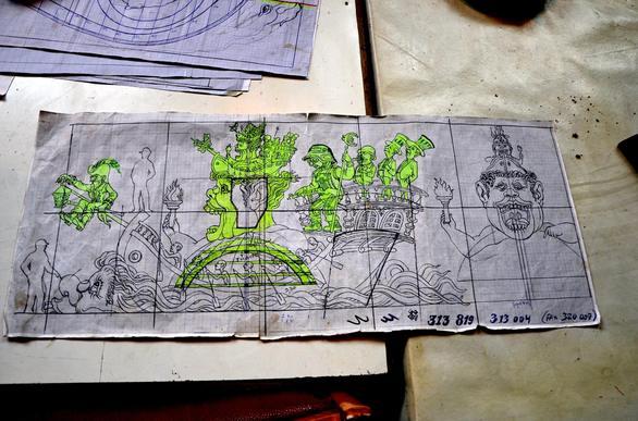 Πώς μια από τις βασικές θεωρίες του μαρξισμού θα αποτυπωθεί στο άρμα του Βασιλιά Καρνάβαλου (pics)