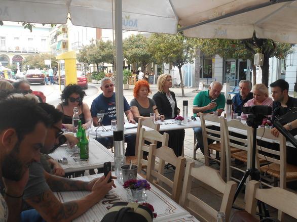 """Στην πλατεία της Πάτρας συναντήσαμε αγαπημένους ηθοποιούς που έχουν γράψει """"ιστορία"""" με τους ρόλους τους!"""