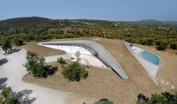 """Μία βίλα στην Πελοπόννησο, έχει """"κλέψει"""" το ενδιαφέρον του διεθνή Τύπου! (φωτο)"""