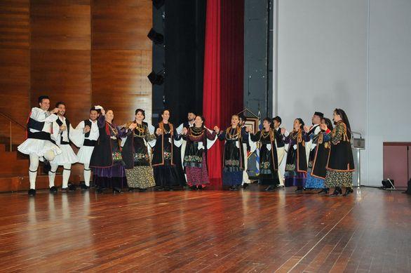 Πανεπιστήμιο Πατρών - Εντυπωσίασαν οι 300 χορευτές και χορεύτριες παραδοσιακών χορών! (φωτο)