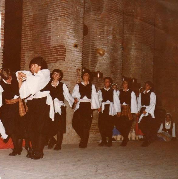 Η συγκινητική έκπληξη που ετοίμασε το Χορευτικό Τμήμα του Δήμου Πατρέων στον Χ. Γιαννόπουλο (pics+video)