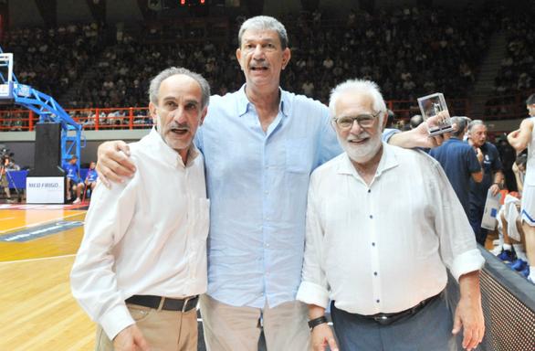Πάτρα - Βραβεύτηκε ο «Νουρέγιεφ» του ελληνικού μπάσκετ! (φωτο)