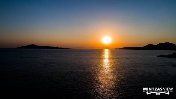 Νεάπολη - Η παραθαλάσσια κωμόπολη της Πελοποννήσου, που τη νύχτα, εκπέμπει μια μαγεία! (φωτο+video)