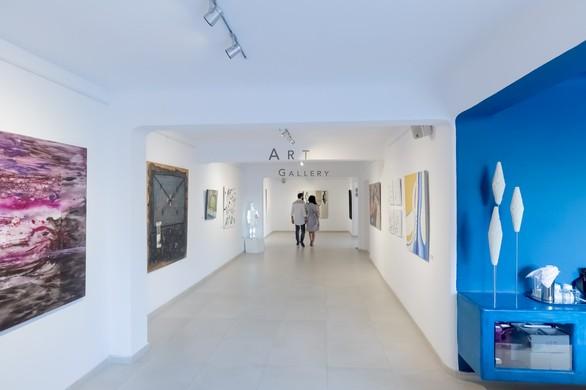 """Think of Me"" στην Aqua Gallery"