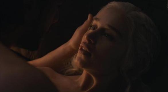 Game of Thrones - Η σκηνή σεξ των Τζον Σνόου και Ντενέρις (φωτο)