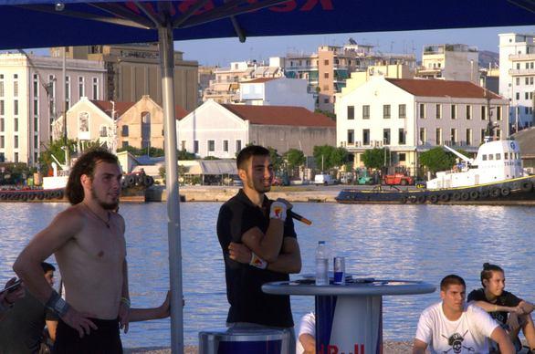 """Δύο πήραν το """"εισιτήριο"""", αρκετοί συμμετείχαν και όλη η Πάτρα απόλαυσε έναν εντυπωσιακό διαγωνισμό parkour! (pics & video)"""