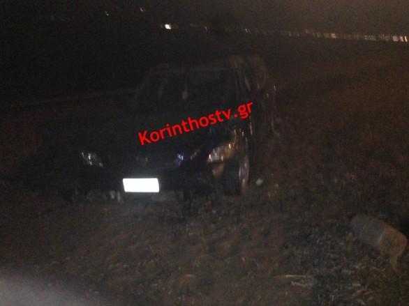 Πατρών - Κορίνθου: Αυτοκίνητο έκανε τούμπες και κατέληξε στην παραλία (pics)