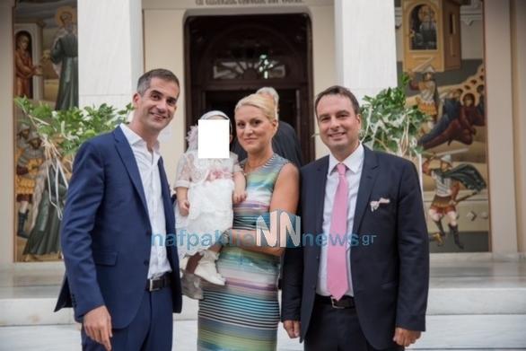 Ο Κώστας Μπακογιάννης βάπτισε την κόρη του Δημάρχου Ναυπακτίας στο Ξυλόκαστρο (φωτο)