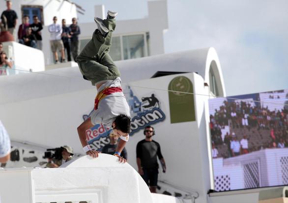 To Σάββατο οι αγώνες parkour στη Σαντορίνη - Δείτε ποιος αθλητής θα εκπροσωπήσει την Πάτρα