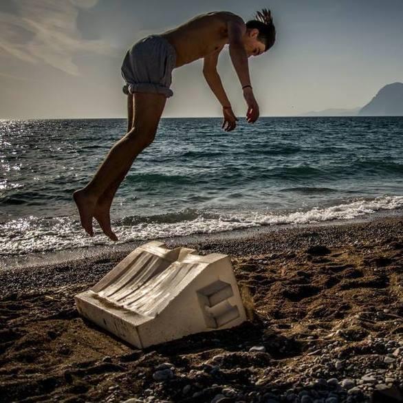 Μιλήσαμε με έναν freerunner της Πάτρας, κάνοντας «flip» στoν κόσμο του σπορ (pics+vids)