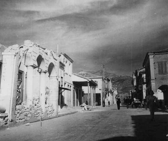 Το ταψί, το ταχίνι και η πείνα στα χρόνια της κατοχής στην Πάτρα! (pics+video)
