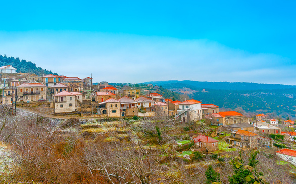Ένα ορεινό χωριό που συγκαταλέγεται στα πιο ωραία της Πελοποννήσου! (φωτο)