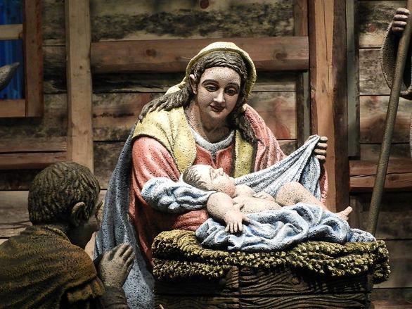 Viral έγινε στο διαδίκτυο η Χριστουγεννιάτικη Φάτνη της Πάτρας (pics)