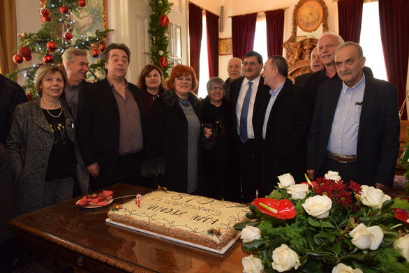 Πάτρα: Γέμισε από ευχές και κόσμο το Δημαρχείο ανήμερα της Πρωτοχρονιάς (pics)