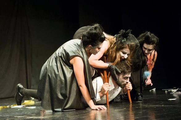 Εύα Δημητροπούλου - Το κορίτσι που συγκλονίστηκε από την «Μήδεια» και ανέβηκε στο σανίδι! (pics)