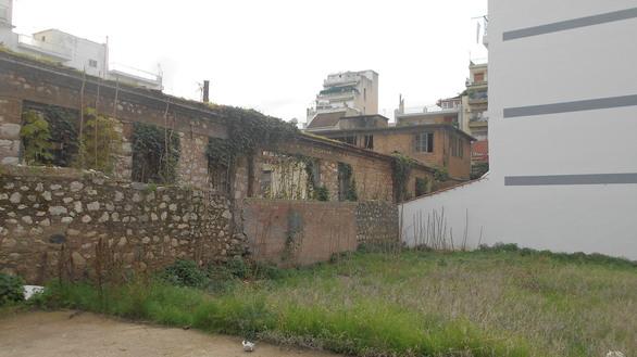 Το κτίριο - ερείπιο και η σύνδεση του με την ακμή, αλλά και την παρακμή της Πάτρας! (pics)