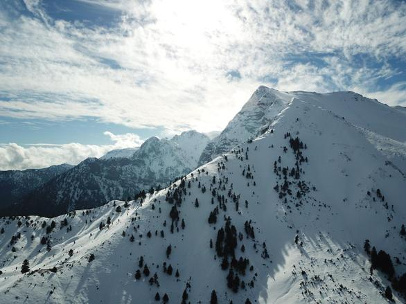 Φρέσκο χιόνι στο Χιονοδρομικό Κέντρο Καλαβρύτων (pics+video)