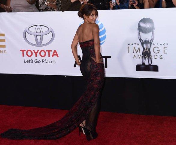 Το τολμηρό φόρεμα που φόρεσε η Halie Berry! (φωτο)