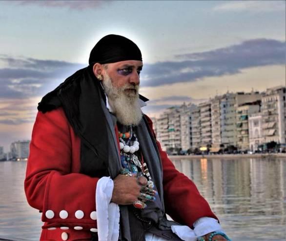 """Τα αθηναϊκά κανάλια περνάνε στο """"ντούκου"""" το καρναβάλι της Πάτρας - Γιατί άραγε;"""