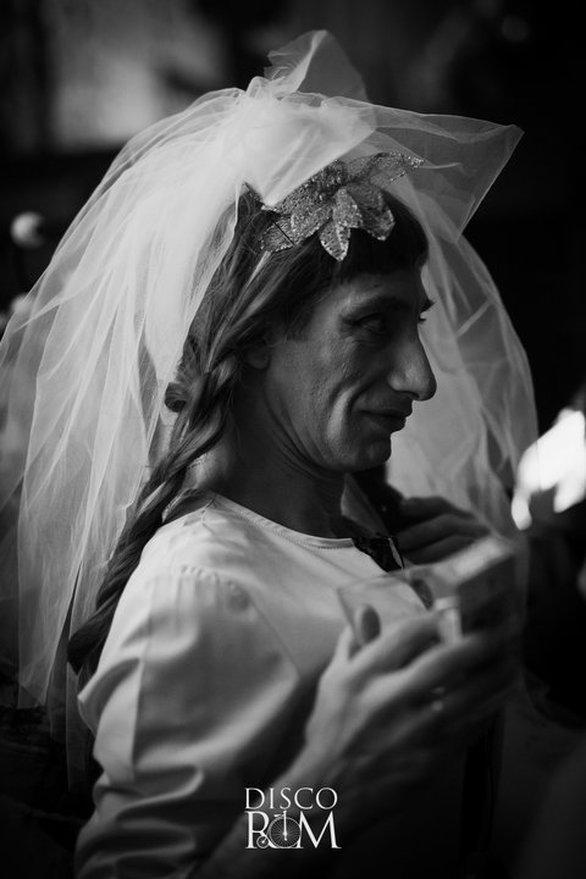 Χαμός στον Βλάχικο Γάμο του Τάσου και της Γκόλφως, στην Πάτρα (pics)