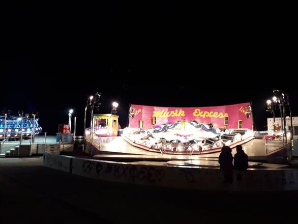 Βόλτα στα καρναβαλικά Λούνα Παρκ της Πάτρας (pics)