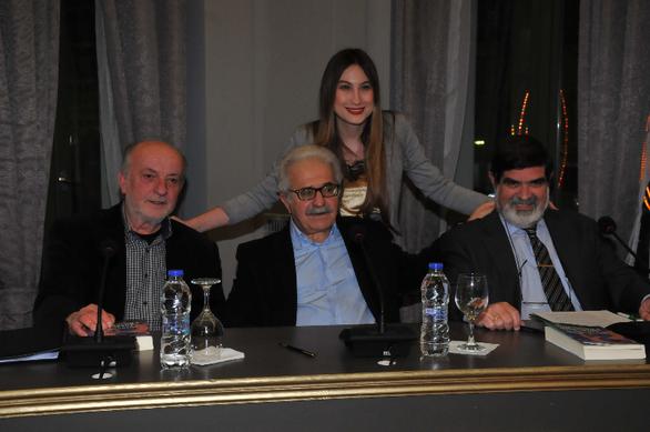 Πάτρα: Με επιτυχία πραγματοποιήθηκε η παρουσίαση του βιβλίου του Μίμη Ανδρουλάκη (pics)
