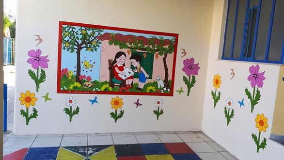 Ο συνταξιούχος που δίνει χρώμα στα σχολεία της Πάτρας, ξεκίνησε την δράση του για το 2018 (pics)