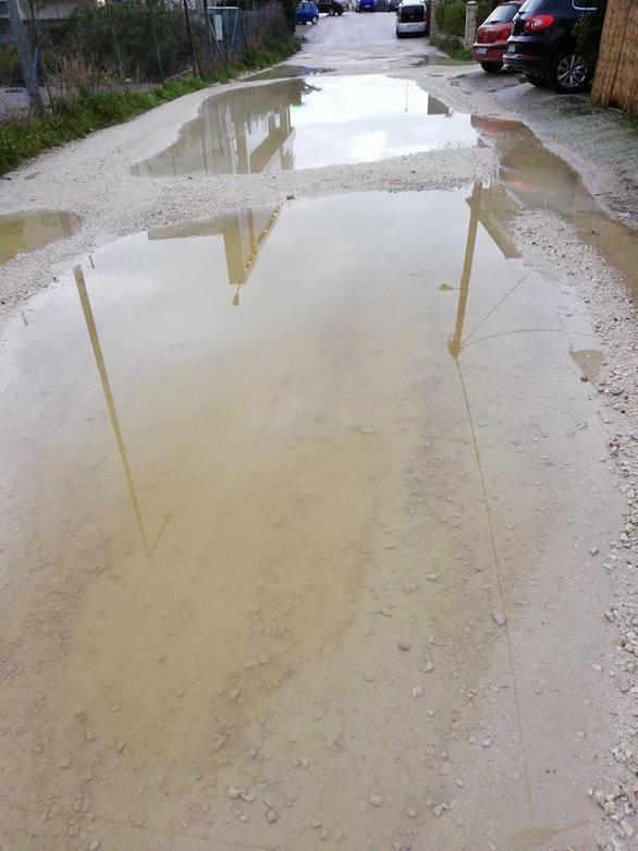 Ο δρόμος της Πάτρας που είναι βγαλμένος από την οδό… Αβύσσου - Δείτε γιατί