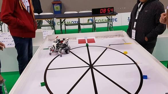 Πρωτιά για το 12ο ΓΕΛ Πατρών στον Πανελλήνιο Διαγωνισμό Εκπαιδευτικής Ρομποτικής!