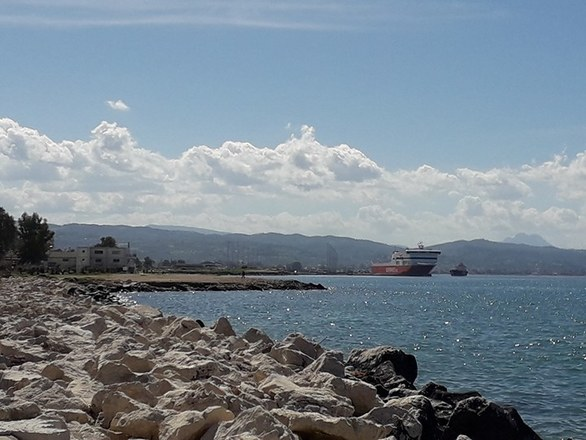 Μια πρωινή βόλτα στο λιμάνι της Πάτρας (pics)