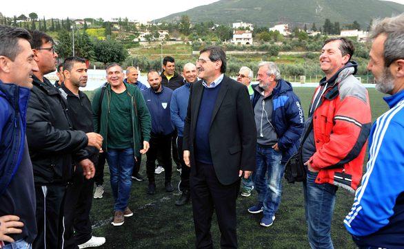 Φιλικός αγώνας παλαιμάχων Πάτρας - Δερύνειας της Κύπρου (pics)