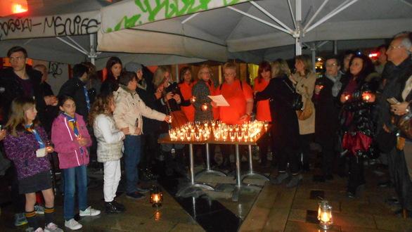 """Η Πάτρα συμμετείχε και φέτος στην παγκόσμια καμπάνια για την """"Ώρα της Γης"""" (pics)"""
