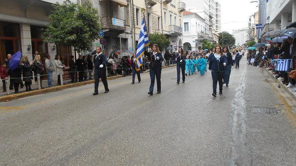 Πάτρα: Oλοκληρώθηκε η παρέλαση για την 25η Μαρτίου (pics)