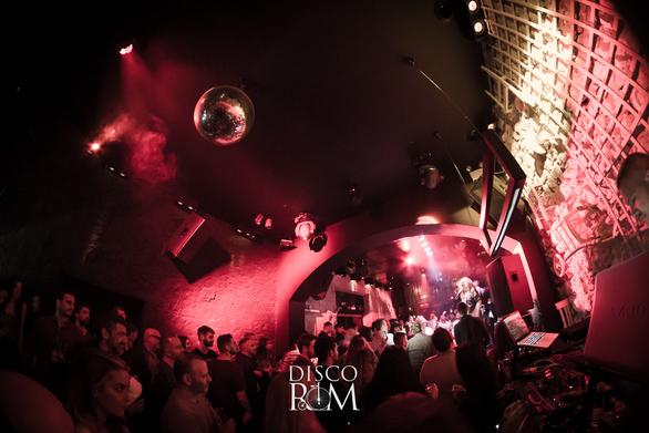 Μια σούπερ ελληνική βραδιά στο Disco Room με Σαμπρίνα & Κώστα Μπίγαλη (φωτο)