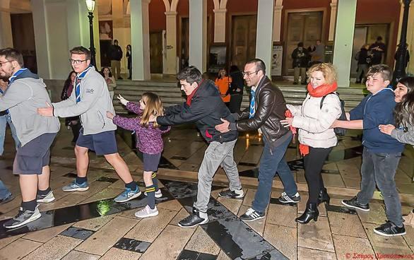 """Πάτρα - Μια εκδήλωση για την """"Ώρα της Γης"""" με τραγούδια, παιχνίδια και κεριά στηνπλατεία Γεωργίου! (φωτο)"""