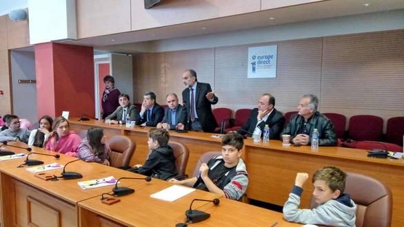 Περιφερειακό Συμβούλιο Μαθητών στην Πάτρα με απορίες και... αιτήματα (φωτο+video)