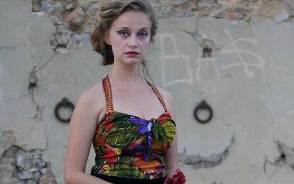 Η Λένα Δροσάκη πρωταγωνιστεί στην καλοκαιρινή παραγωγή του ΔΗΠΕΘΕ Πάτρας! (pics)