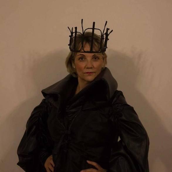 Ελένη Σαρακίνη - Η Πατρινή ηθοποιός με το πλούσιο ταλέντο και τον έρωτα για το σανίδι!