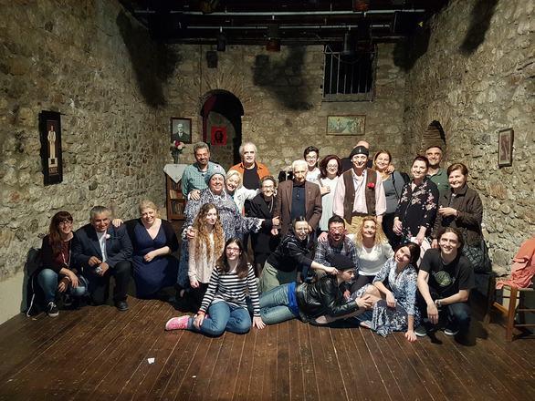 """Το κοινό της Πάτρας ενθουσιάστηκε με την κωμωδία """"La Nona""""! (φωτο)"""