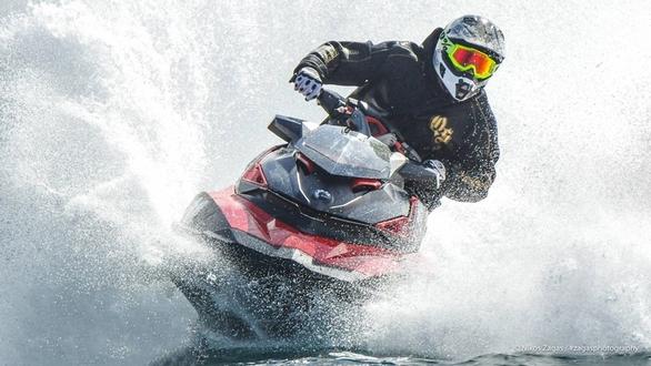 Εκκίνηση από το Παλαιό Φάληρο για το Πανελλήνιο Πρωτάθλημα Jet Ski