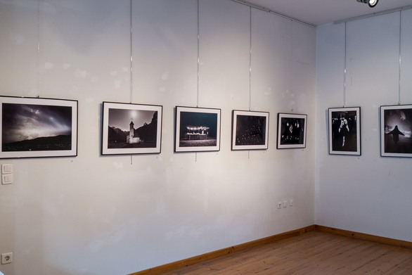 Πάτρα - Ξεχωριστό ενδιαφέρον στα εγκαίνια της έκθεσης «Νύχτες Φωτογραφίας» (φωτο)