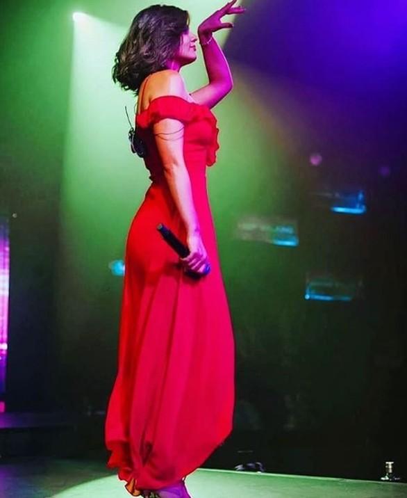 Εντυπωσιακή η Πατρινή performer Γιούλη Ασημακοπούλου στο Fantasia Live (pics)