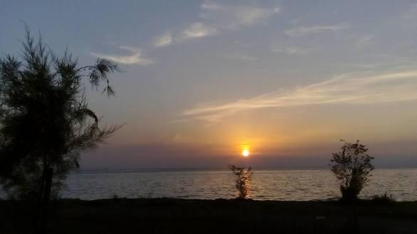 Ο χρυσός ήλιος της Πάτρας και το καράβι που φεύγει (pics)
