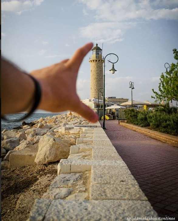 """Ο 23χρονος φοιτητής που κάνει βόλτες στην Πάτρα, """"αγκαλιά"""" πάντα με τη μηχανή του! (pics)"""