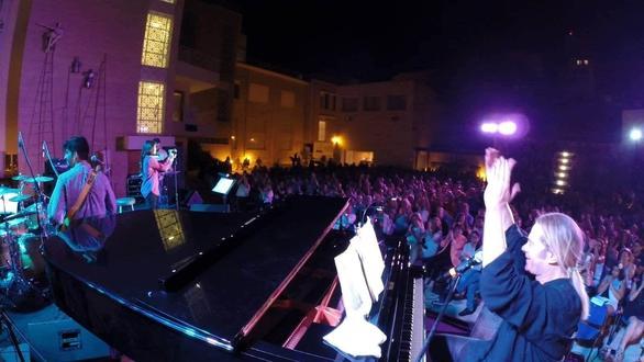 """Στέφανος Κορκολής - """"Η πρώτη μου συναυλία, σε ηλικία 11 ετών, δόθηκε στο Δημοτικό Θέατρο της Πάτρας"""""""