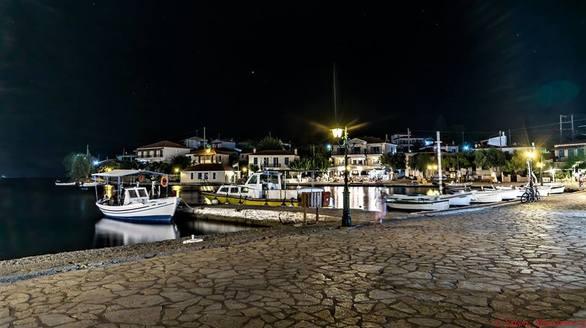 Tριζόνια by night! Mα τι μαγικό μέρος είναι αυτό! (φωτο)