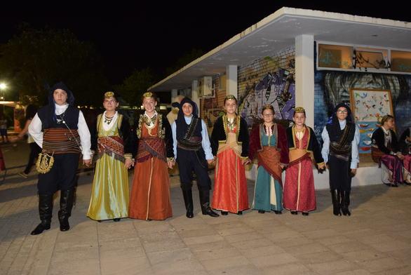 Πάτρα: Ένα μοναδικό ταξίδι στην Ποντιακή παράδοση πραγματοποιήθηκε στην Πλαζ! (pics)