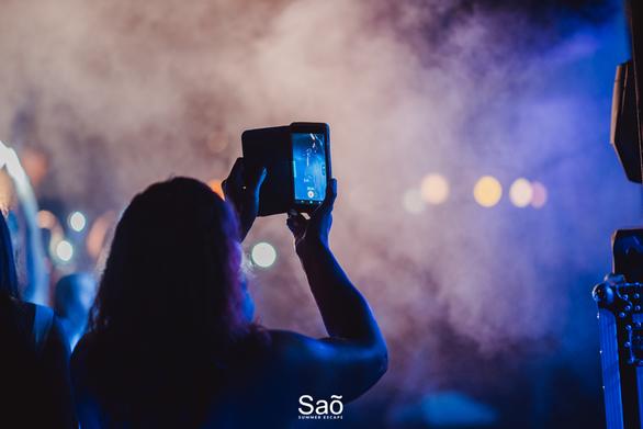 Ο Γιώργος Τσαλίκης ξεσήκωσε το Sao με την πιο καλοκαιρινή διάθεση! (φωτο)